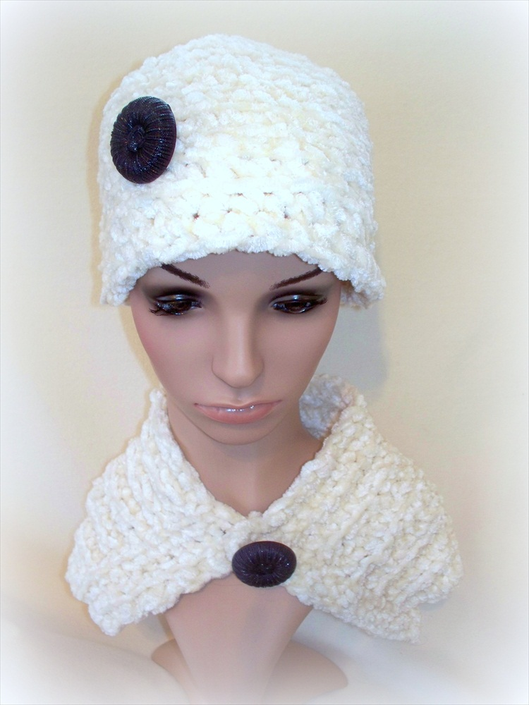 Ivory Minie Cape and Hat set